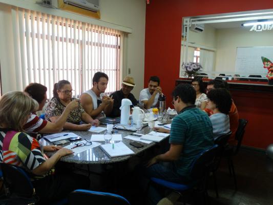 Reunião dos servidores da UFMS durante fórum  permanente. - Crédito: Foto: Divulgação