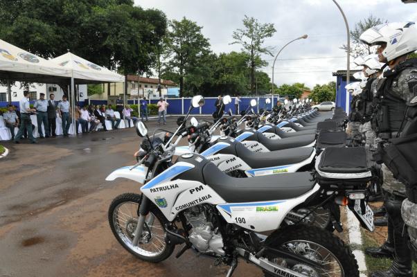 Motocicletas foram entregues em solenidade na tarde de ontem. - Crédito: Hedio Fazan