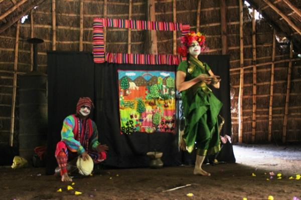 """Espetáculo """"Mar Acá"""" do grupo Locômbia Teatro de Andanças traz elementos da mitologia latino-americana. - Crédito: Foto: Divulgação"""