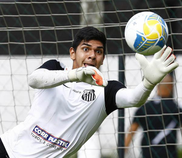 João Paulo titular da equipe Sub-21 e terceiro goleiro do Santos. - Crédito: Foto: Divulgação