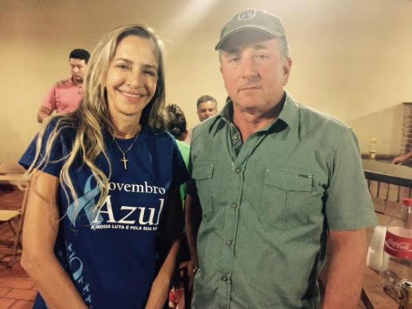 Virgínia Magrini com o pré-candidato do PP à Prefeitura de Dourados, Wanderley Carneiro. - Crédito: Foto: Marcos Santos