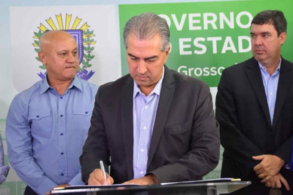 Termo de cooperação foi assinado pelo governador Reinaldo Azambuja e todos os secretários de Estado. - Crédito: Foto: Jessica Barbosa