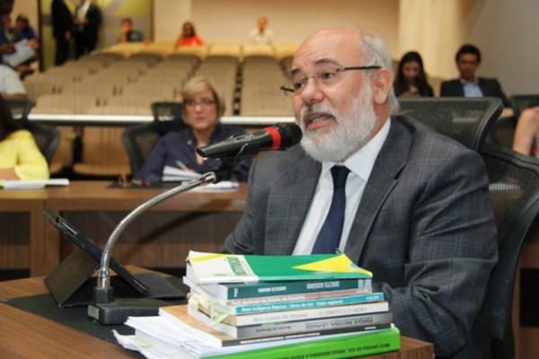 Desembargador Alcir Gursen De Miranda foi ouvido na tarde de terça-feira pela CPI do Cimi. - Crédito: Foto: Patrícia Mendes