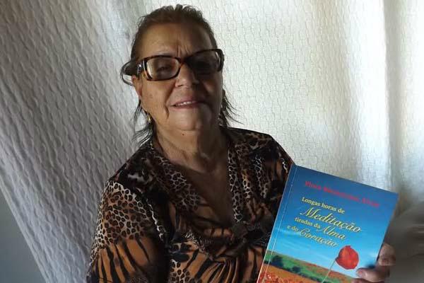 Flora Mantovani Alves lança seu segundo livro amanhã no Centro de Convivência do Idoso de Dourados. - Crédito: Foto: Divulgação