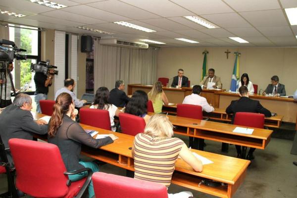 A CPI da Violência contra Indígenas durante reunião realizada na última quinta-feira. - Crédito: Foto: Wagner Guimarães/ALMS