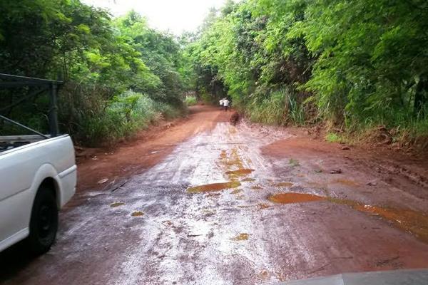 Rua dos Caiuás necessita de reparos até  chegada da pavimentação. - Crédito: Foto: Divulgação