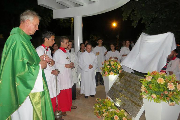 Memorial é homenagem ao fundador da São João Batista. - Crédito: Foto: Hélder Lima