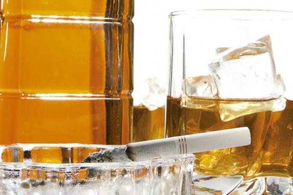 Homens abusam mais de bebidas e tabagismo, fator de risco do aparelho circulatório. - Crédito: Foto: Divulgação