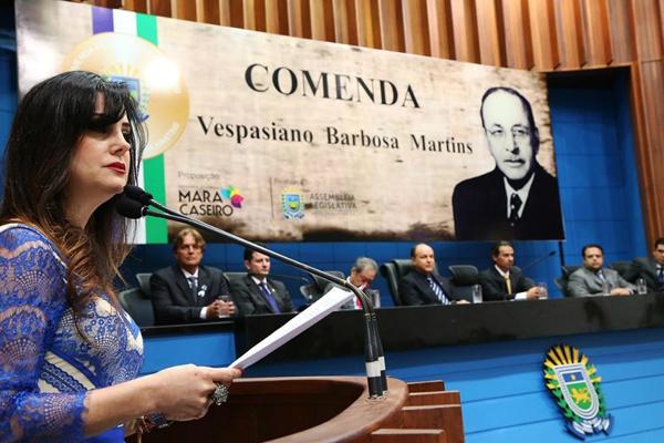 Mara Caseiro, que propôs a sessão solene, destaca a importância dos profissionais da área de saúde. - Crédito: Foto: Victor Chileno/ALMS