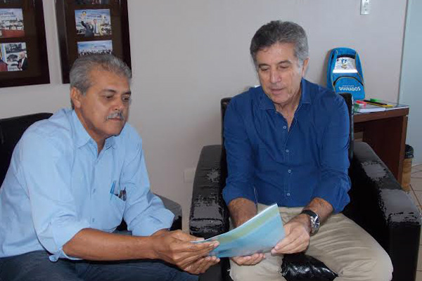 Cido pede a Murilo,  Dourados no programa habitacional. - Crédito: Foto: Divulgação
