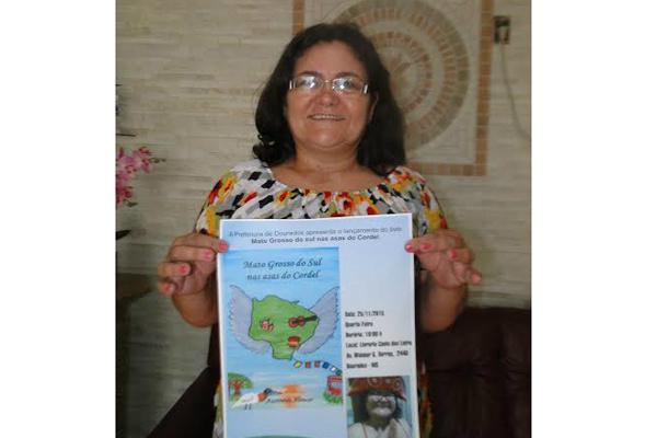 """Professora e escritora Aurineide Alencar, lança hoje """"Mato Grosso do Sul, Nas Asas do Cordel"""" . - Crédito: Foto: Divulgação"""