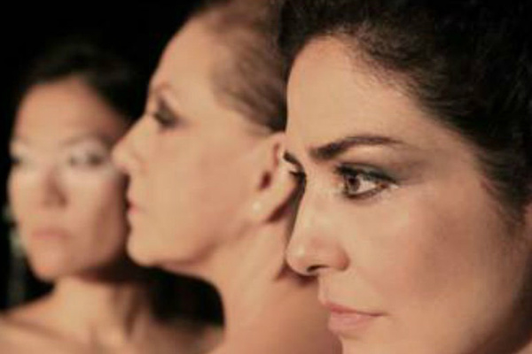 """Em """"Trágica.3"""",  Denise Del Vecchio interpreta Medeia, Letícia Sabatella assume o papel de Antígona e Miwa Yanagizawa dá vida à Electra. - Crédito: Foto: Divulgação"""
