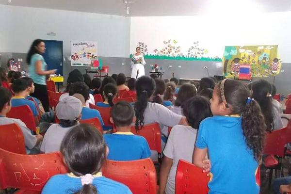 Atividades do Mês do Livro movimentaram as escolas. - Crédito: Foto: Divulgação
