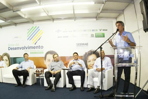 """Murilo falou das potencialidades de Dourados na""""Rota do Desenvolvimento"""", em Dourados. - Crédito: Foto: Chico Leite"""