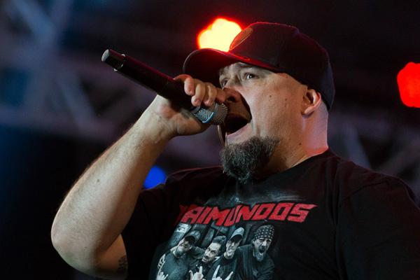 Digão formou o Raimundos, em 1985, inicialmente tocando bateria. Com a saída de Rodolfo Abrantes, em 2001, assumiu o vocal. - Crédito: Foto: Divulgação