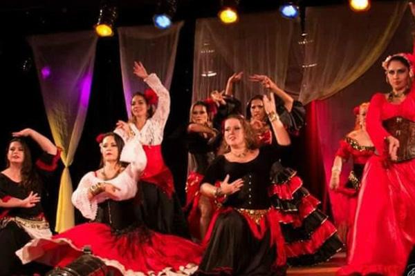 """""""Na Melodia do Tempo"""" traz um paralelo entre a evolução das Danças do Oriente Médio, Ásia, Europa. - Crédito: Foto: Divulgação"""