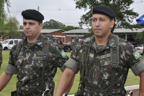 Major Plácio assume unidade no lugar de Major Sérgio que esteve à frente da  14ª Cia no último biênio. - Crédito: Foto: Hedio Fazan