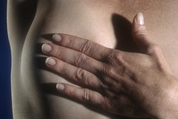 Entre as mulheres, as maiores incidências de câncer serão de mama, cólon e reto. - Crédito: Foto: Divulgação