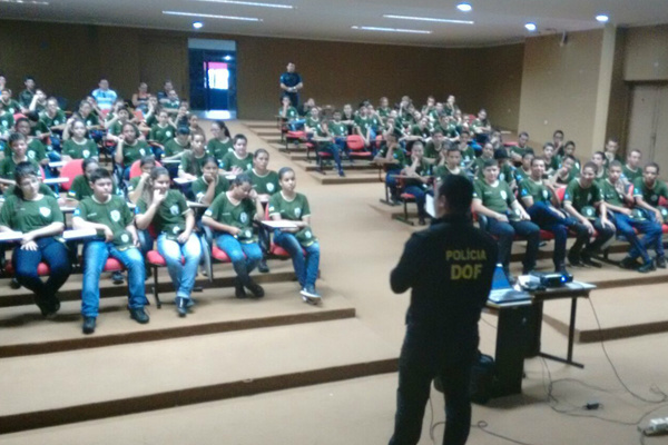 Palestra foi ministrada aos novos integrantes da Guarda Mirim. - Crédito: Foto: Divulgação/DOF