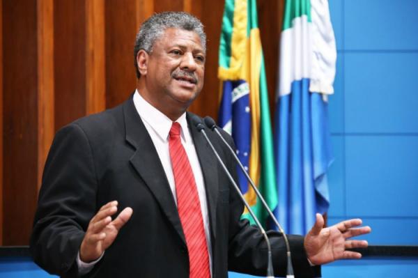 João Grandão diz que projeto está respaldado na lei que regulamenta a profissão dos taxistas. - Crédito: Foto: Divulgação