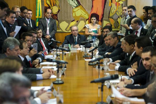 Cunha e líderes decidem que a comissão especial para analisar o impeachment será instalada na segunda-feira. - Crédito: Foto: Marcelo Camargo/Agência Brasil