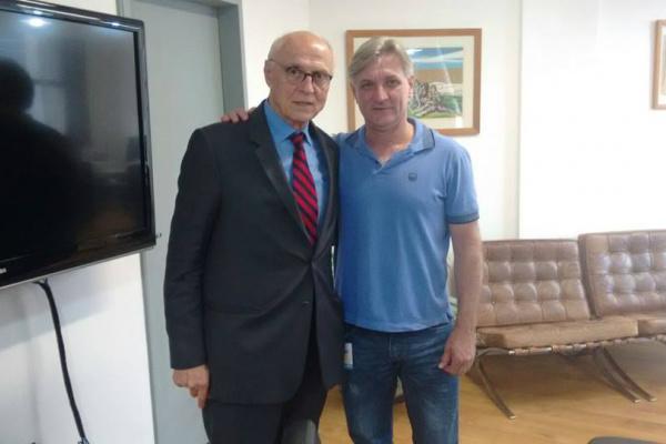 Ex-senador Eduardo Suplicy e o vereador Dirceu Longhi. - Crédito: Foto: Divulgação