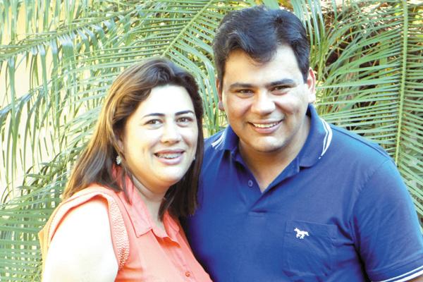 Destaque para o simpático vereador e radialista Marcelo Mourão e à sua esposa, Aureliana. -