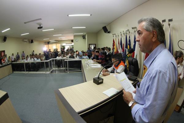 O governador e o ministro Gilberto Occhi, sobrevoaram a região Sul do Estado e discutiram  a recuperação das áreas atingidas pelas tempestades em Mato Grosso do Sul. - Crédito: Foto: Chico Ribeiro
