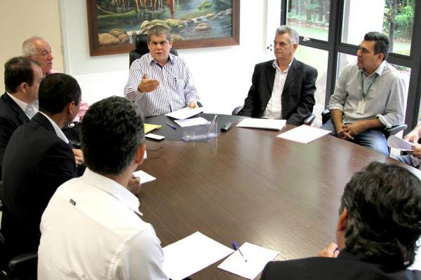 Presidente do TCE Waldir Neves. - Crédito: Foto: TCEMS