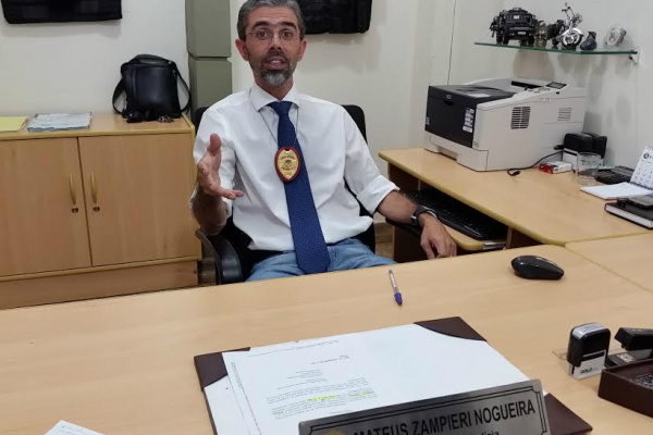 Delegado Mateus Zampieri falou do trabalho que durou três meses e teve 18 pessoas indiciadas e 11  presas. - Crédito: Foto: Luiz Radai