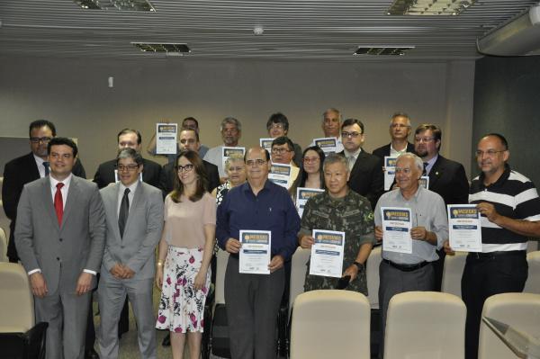 Homenageados contribuíram para o êxito da Campanha 10 Medidas contra a Corrupção. - Crédito: Foto: Hedio Fazan