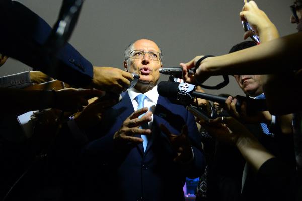 Geraldo Alckmin, governador do estado de São Paulo, diz que pedido de impeachment não é golpe. - Crédito: Foto: Fabio Rodrigues Pozzebom/Agência Brasil