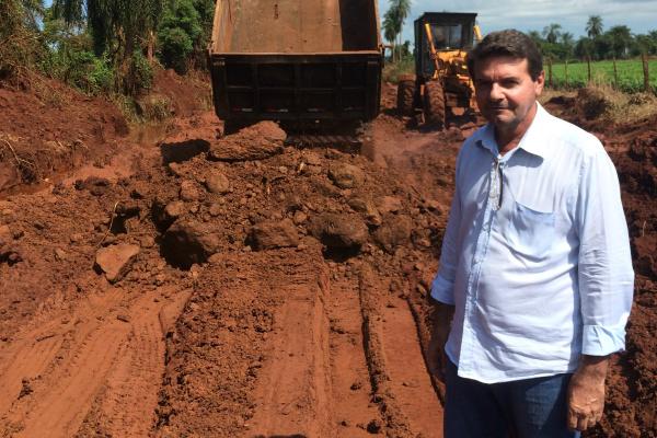 Vereador Silas Zanata obteve resposta ao pedido por obra em estrada. - Crédito: Foto: Divulgação