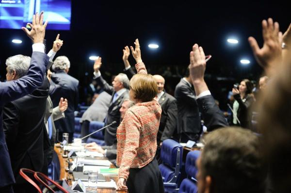 Mesmo aprovado, o texto enviado pela Executivo e modificado na Câmara foi bastante criticado em Plenário. - Crédito: Foto: Moreira Mariz/Agência Senado