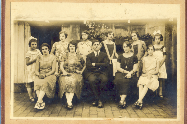 Membros da família Capilé que ajudaram no desenvolvimento de Dourados. -