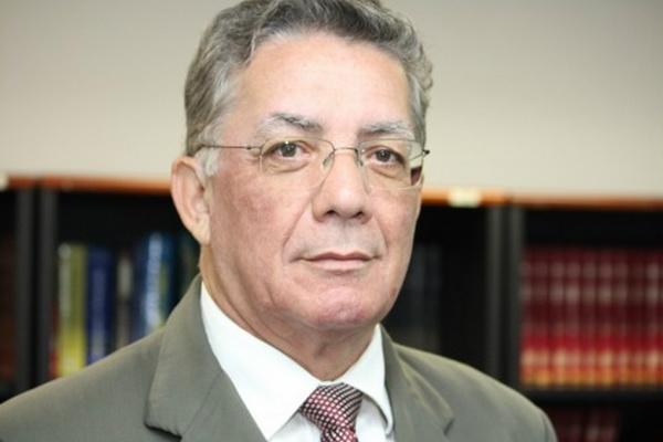 Desembargador douradense Eduardo Machado Rocha assumiu a Prefeitura de Dourados que, à época, estava sem prefeito e vice. - Crédito: Foto:  Acervo O PROGRESSO