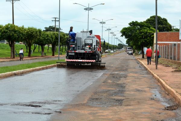 Prefeitura iniciou, as obras de reperfilamento da pavimentação da Avenida Porto XV de Novembro. - Crédito: Foto: Divulgação