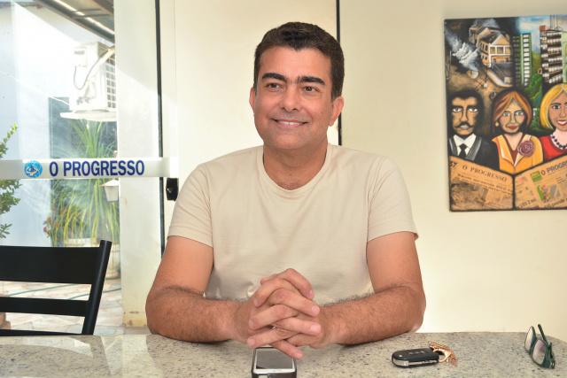 Ex-deputado federal Marçal Filho se anima com as pesquisas eleitorais e anuncia que vai disputar a Prefeitura de Dourados em 2016. - Crédito: Foto: Marcos Ribeiro