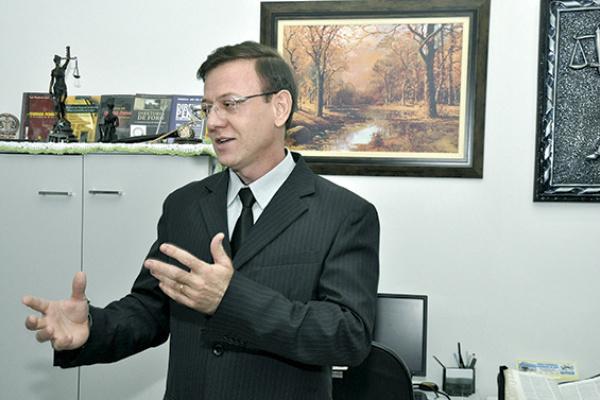 Formado em Dourados, Wanderlei José dos Reis atua como Juiz em MT. - Crédito: Foto: Divulgação