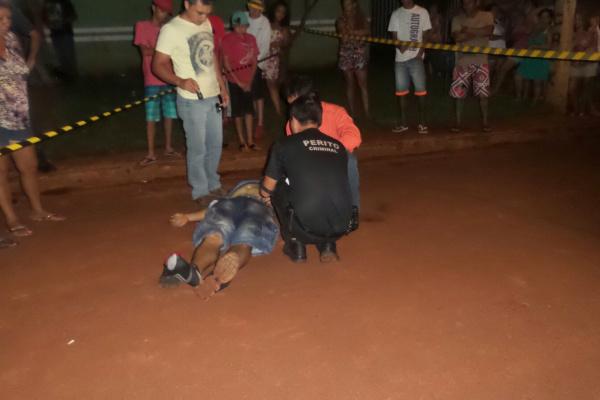 Em Dourados, homem foi assassinado com três tiros  na noite de Natal no bairro Canaã I - Crédito: Foto: Cido Costa