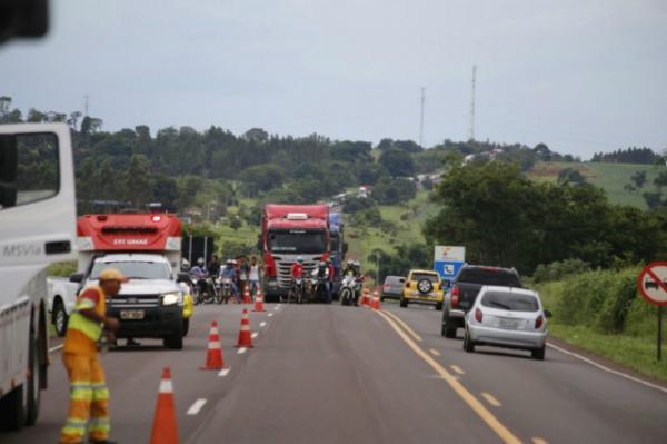 Trecho foi liberado, mas congestionamento chegou a 7 km. - Crédito: Foto: Gerson Walber/Campo grande News