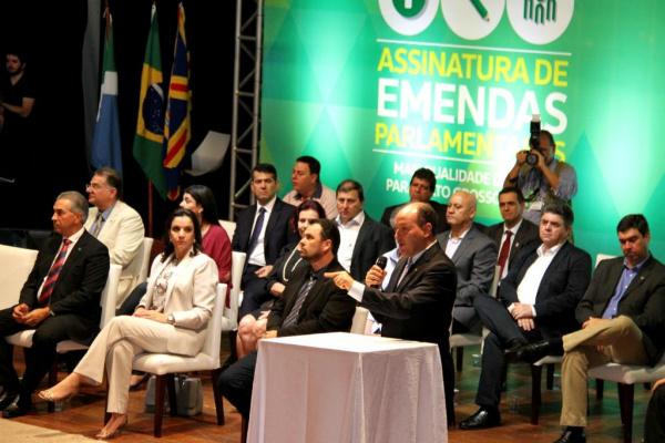 A solenidade de assinatura dos convênios originários das emendas foi realizada no dia 5 de outubro de 2015. - Crédito: Foto: Wagner Guimarães/ALMS