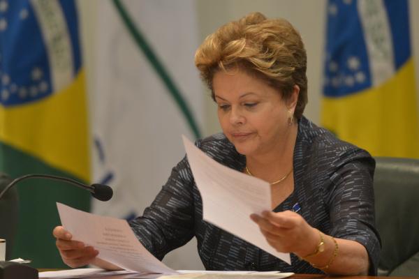 Dilma diz que Bolsa Família passa por aperfeiçoamento. - Crédito: Foto: Arquivo