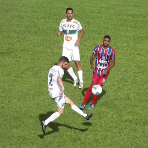 Lance da partida que contou com boa atuação de Jonatas, marcando dois gols e selando vitória para MS. - Crédito: Foto: Divulgação