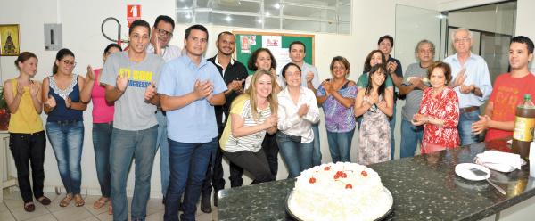 Aniversariantes deste jornal: Maria Lucia Tolouei, Vander Verão, Carlos Almeida Lopes, Luiz Guilherme Pires de Matos e esta colunista. -