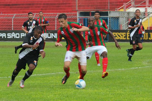 Lance do jogo de estreia do Guaicurus que terminou em 1 a 1 com a equipe do Vasco da Gama. - Crédito: Foto: Arquivo/Vasco