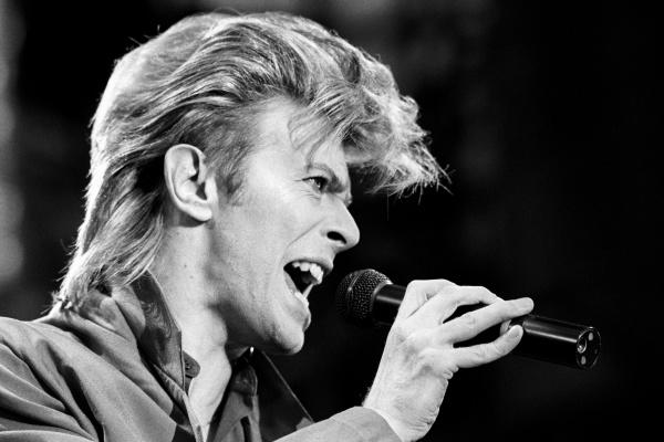 Provocador, enigmático e inovador, Bowie construiu uma das carreiras mais veneradas. - Crédito: Foto: Arquivo/ASSOCIATED PRESS/ESTADÃO CONTEÚDO