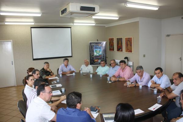 Murilo reuniu secretários e o Exército para intensificar as ações contra o mosquito Aedes aegypti. - Crédito: Foto: Divulgação
