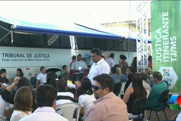 Justiça Itinerante registra 42.987 atendimentos em 2015 na Capital. - Crédito: Foto: TJMS/Arquivo