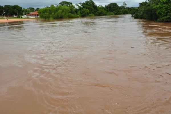 Rio Aquidauana  superou a cota  e está  em nível de emergência. - Crédito: Foto: Acervo O Progresso
